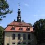 Schlosskapelle mit Friedhof