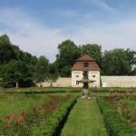 Rosengarten mit Pavillion