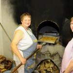 Unsere zwei fleißigen Bäckerinnen